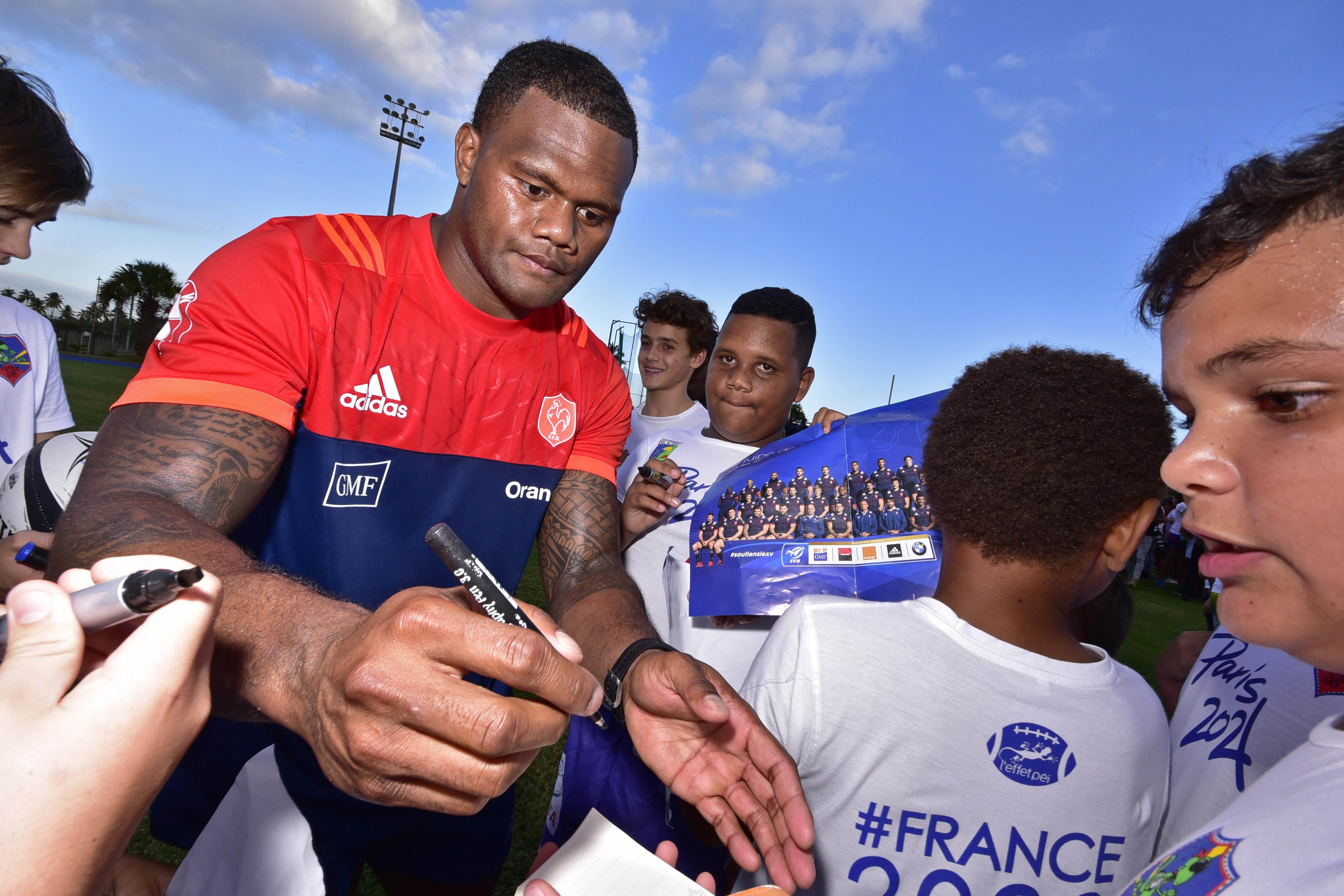 Rugby - Coupe du monde 2019 - XV de France : Vakatawa remplace Doumayrou