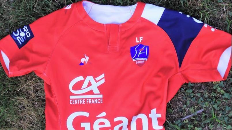 Rugby - Pro D2 - Le maillot 2018/2019 du club d'Aurillac rend hommage à son joueur décédé