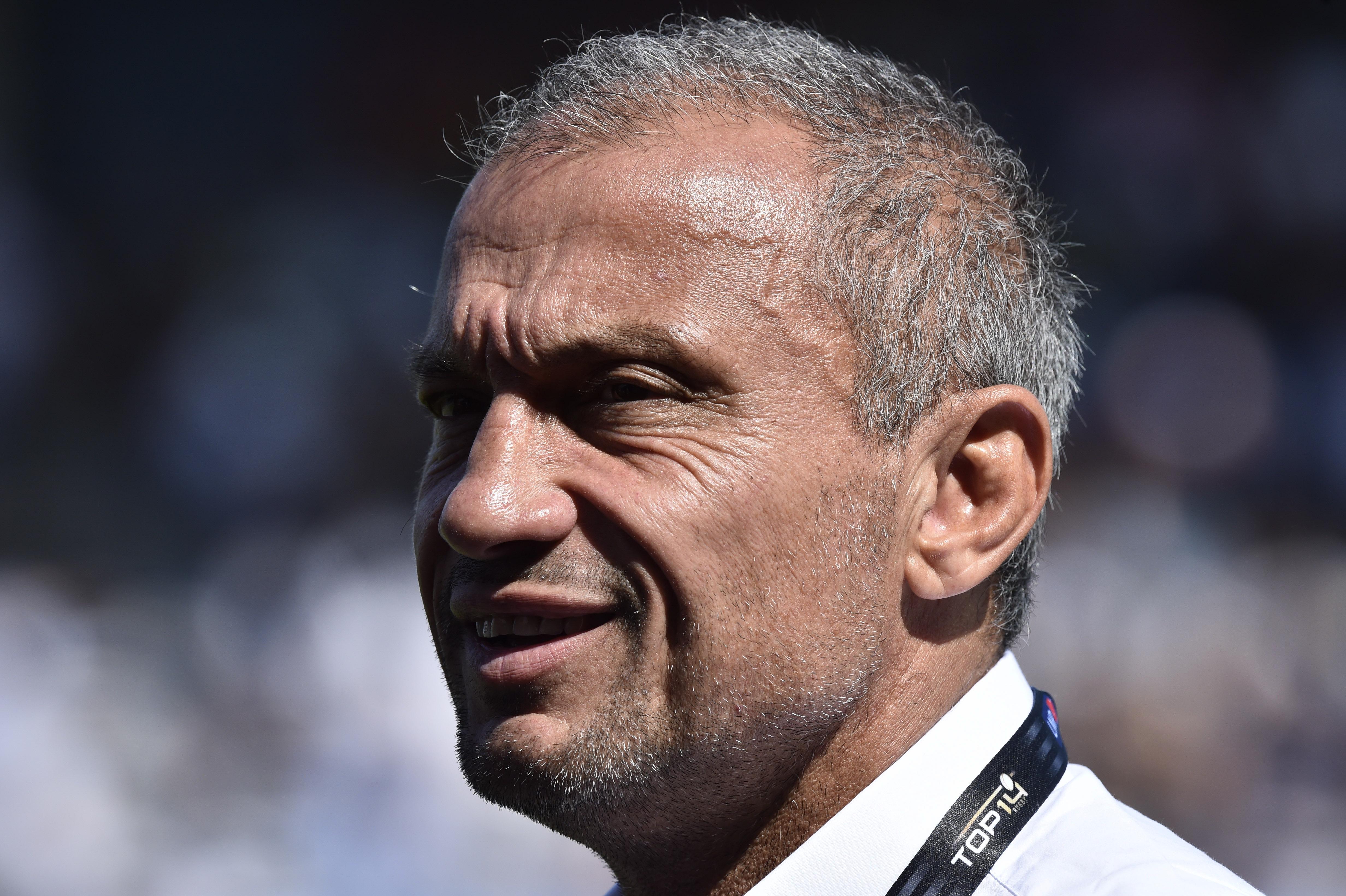 Rugby - Top 14 - Jet d'une pièce sur l'arbitre : Agen s'en sort bien