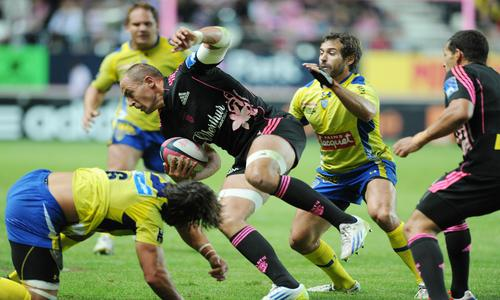 http://sport24.lefigaro.fr/var/plain_site/storage/images/rugby/top-14/actualites/le-stade-francais-eteint-clermont-651622/15942301-1-fre-FR/Le-Stade-Francais-eteint-Clermont_article_hover_preview.jpg