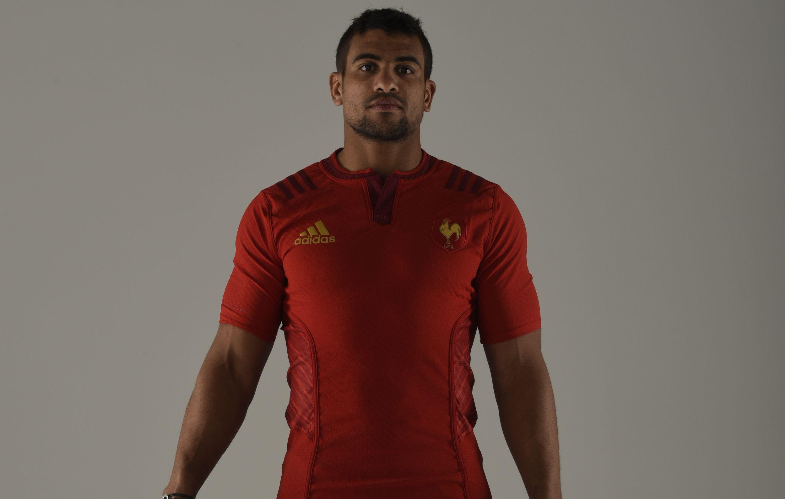 Le nouveau maillot des bleus est rouge xv de france for Maillot exterieur xv de france