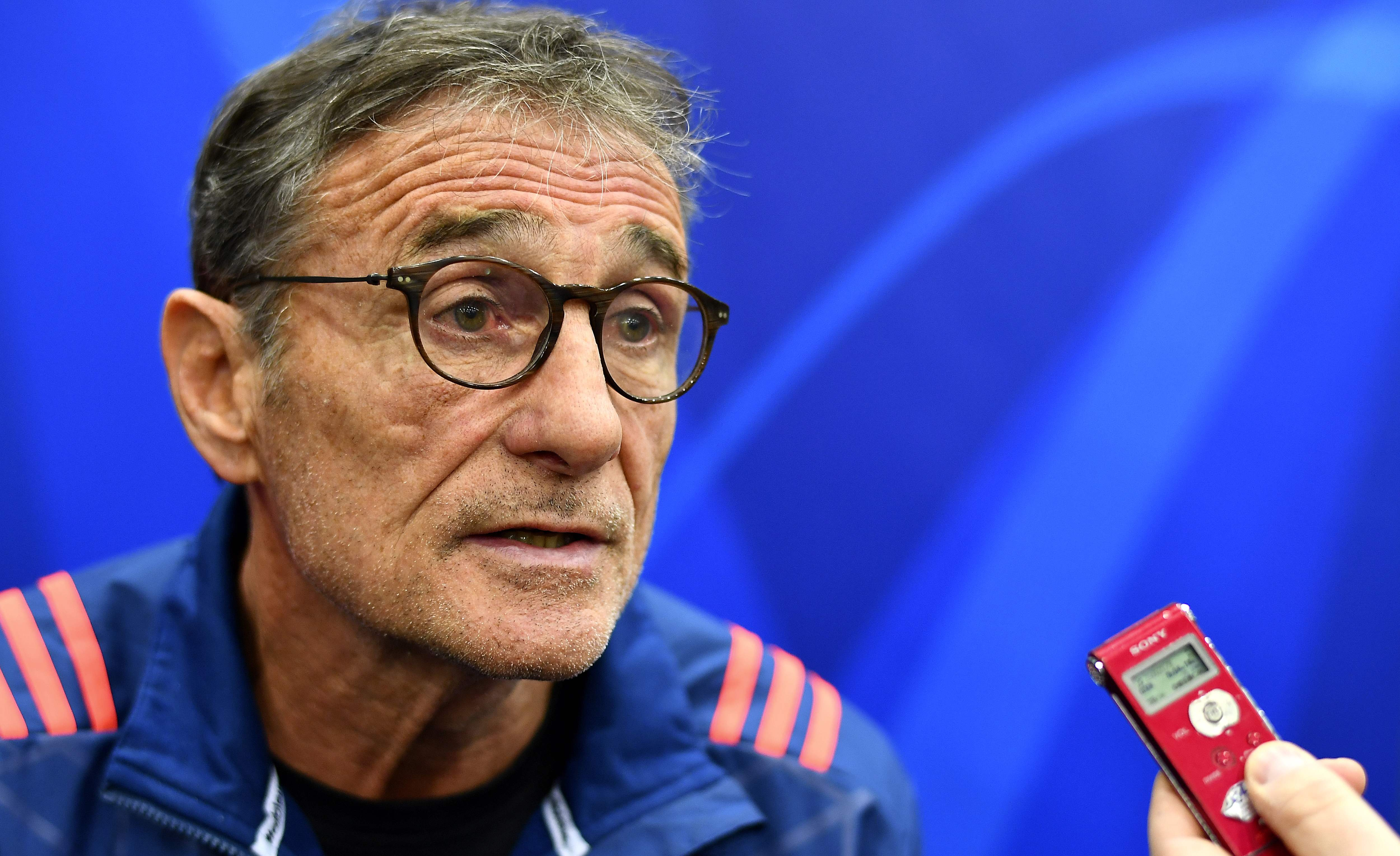 Rugby - XV de France - Novès : «J'ai tendu la main à Bastareaud, à lui de la saisir»