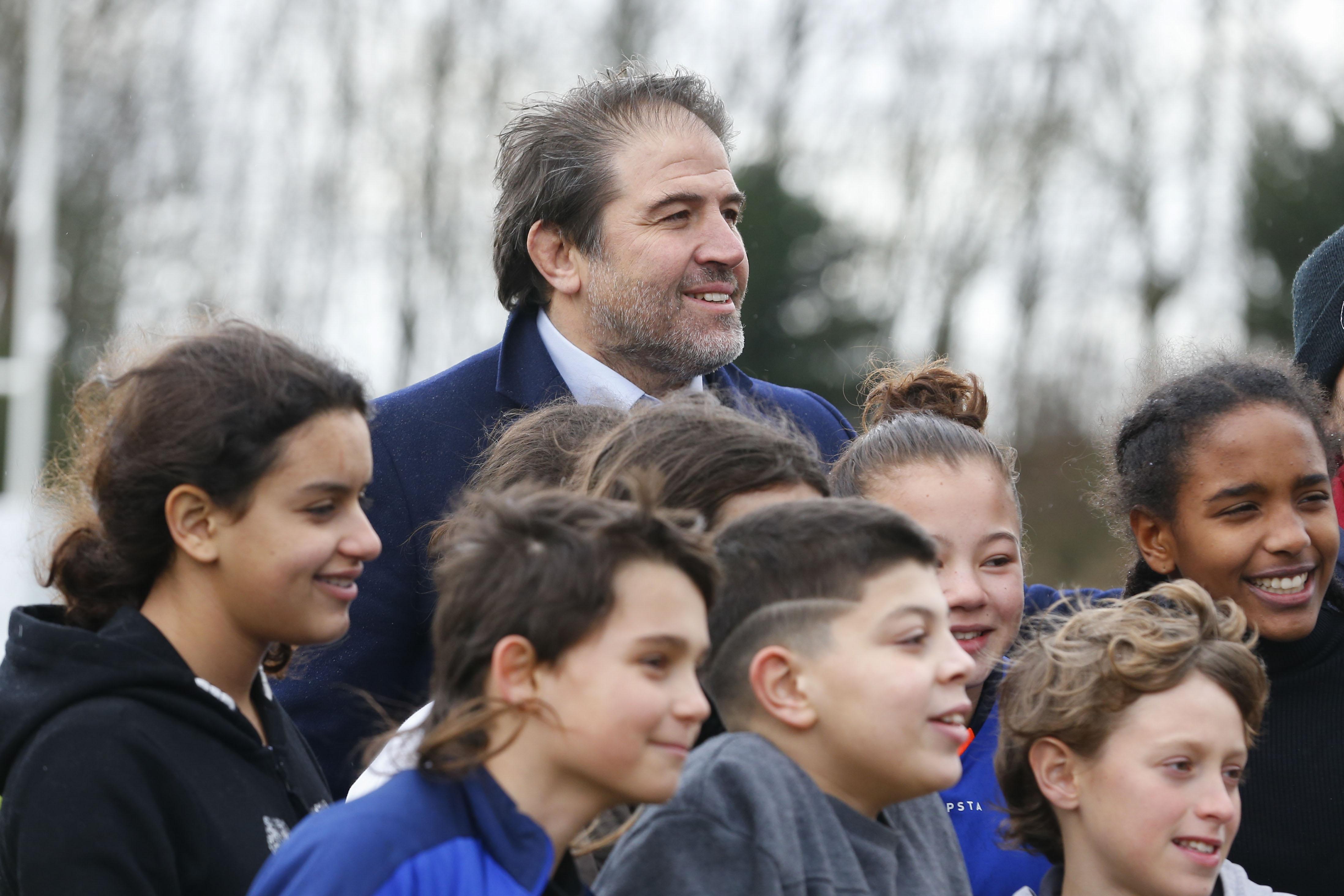 Rugby - XV de France - Serge Simon : «La côte de popularité du XV de France féminin est unique au monde»