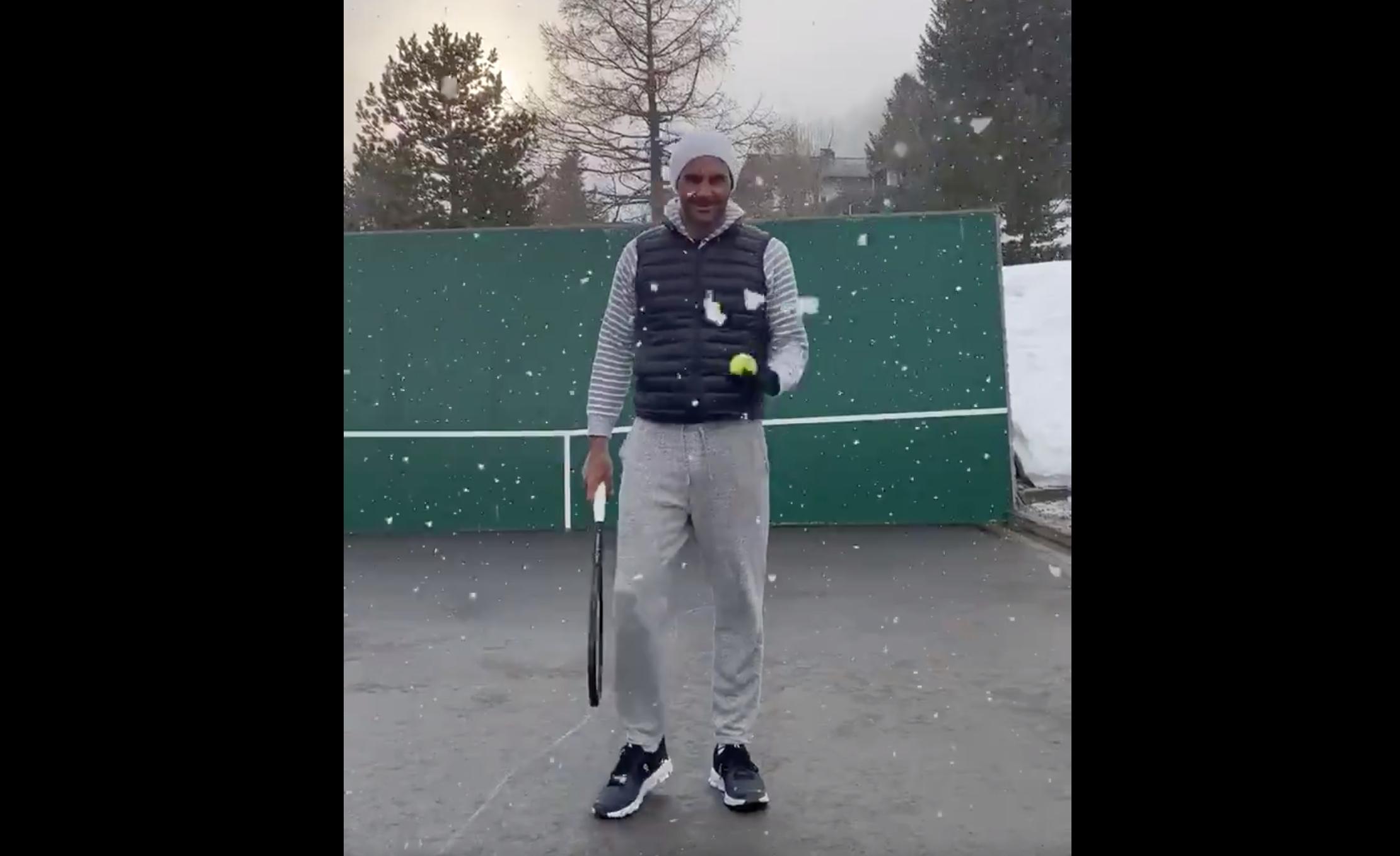 Scan Sport - Sous la neige, Federer prouve qu'il n'a rien perdu de sa dextérité