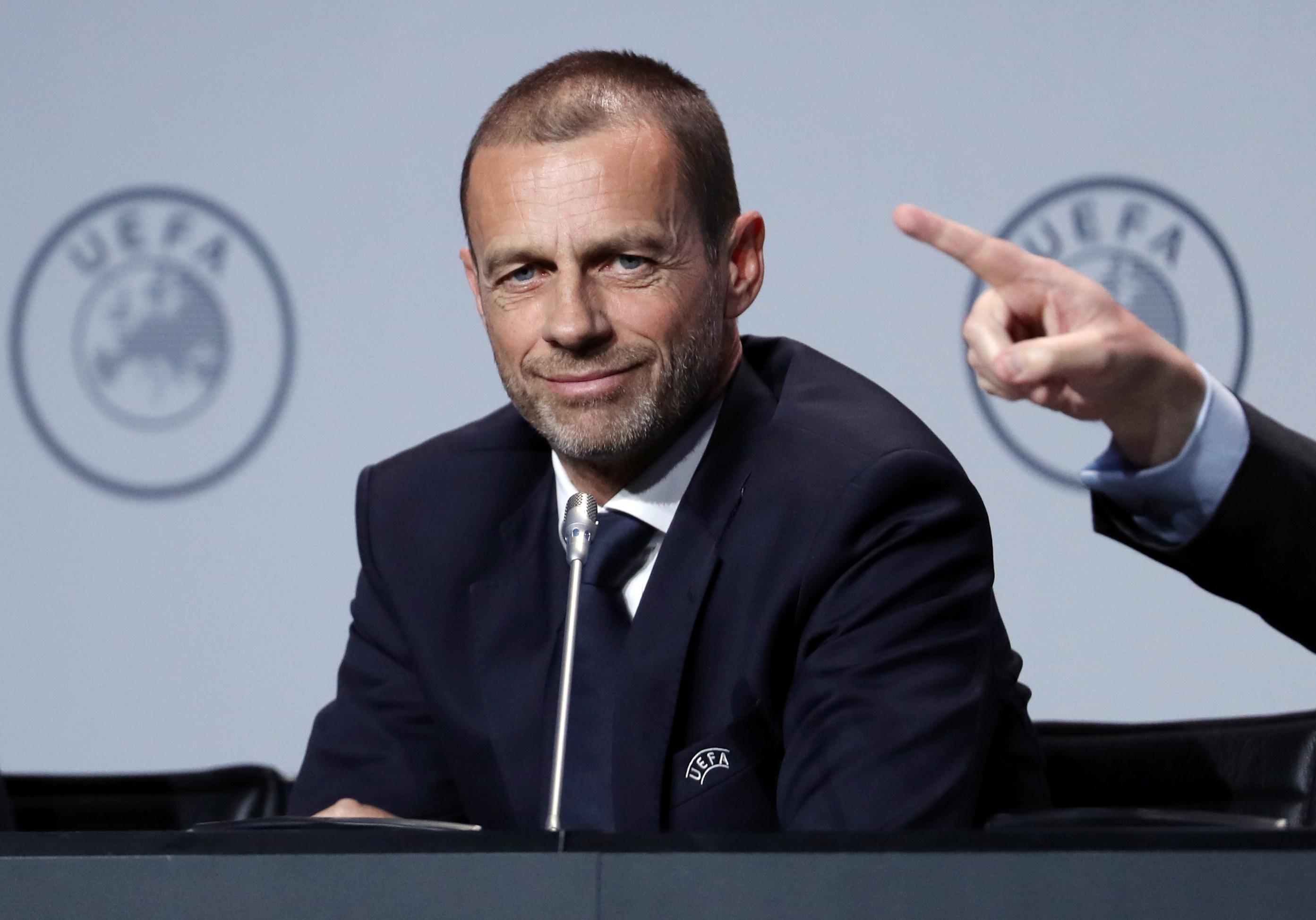 Scan Sport - L'UEFA menace d'exclure des compétitions européennes les clubs dont les championnats n'iront pas à leur terme