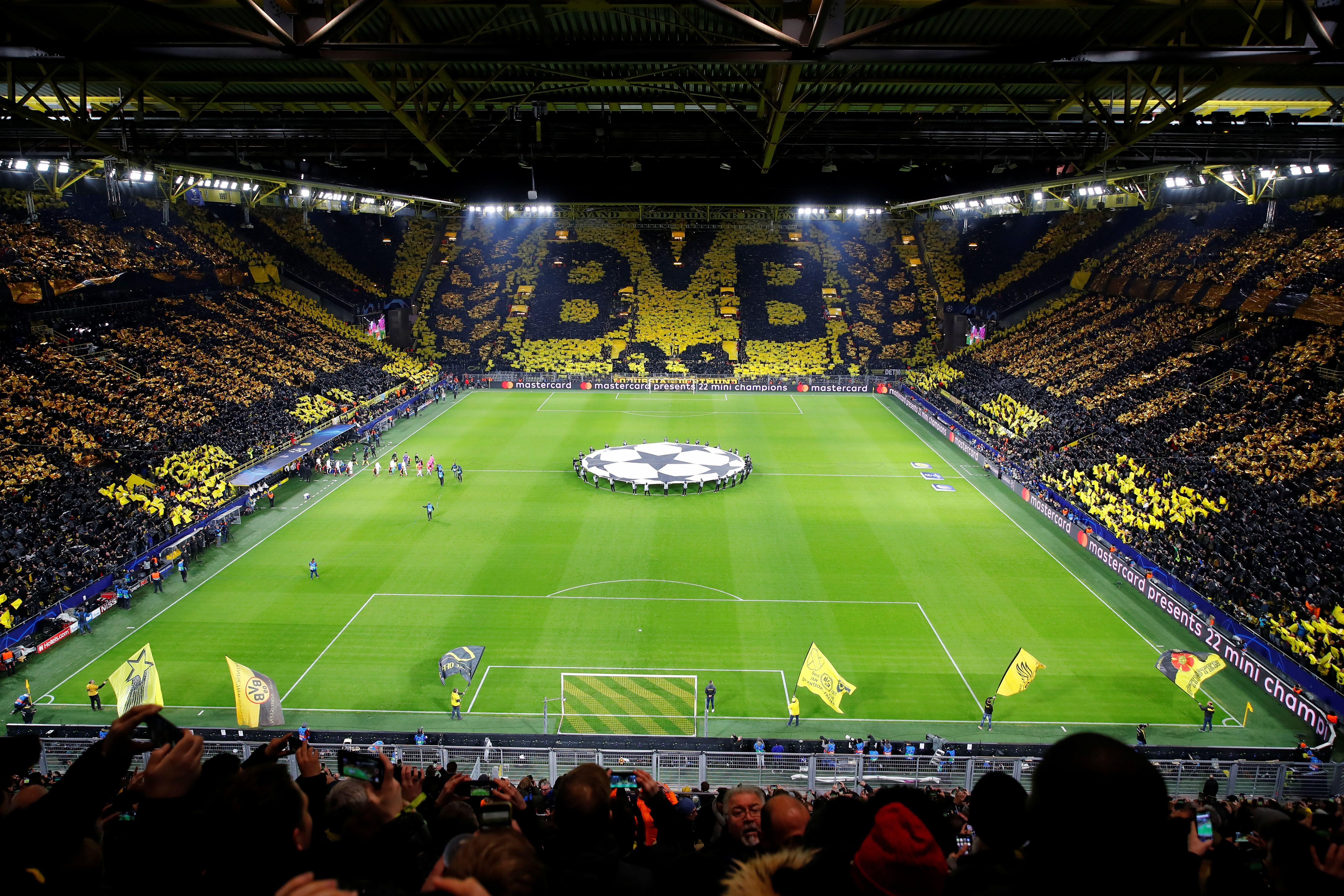 Ligue des champions : le Signal Iduna Park transformé en tifo géant