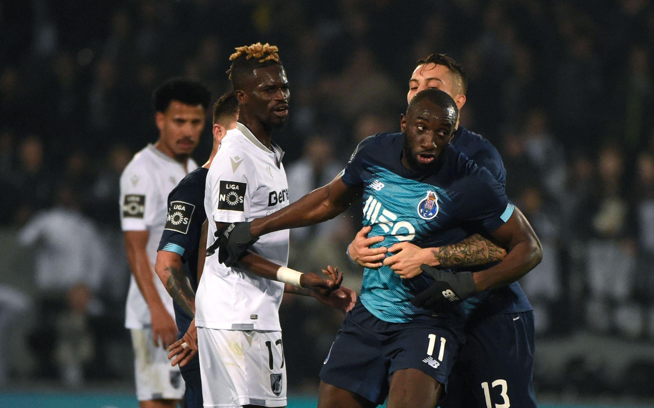 Victime de cris racistes, l'attaquant de Porto quitte le terrain