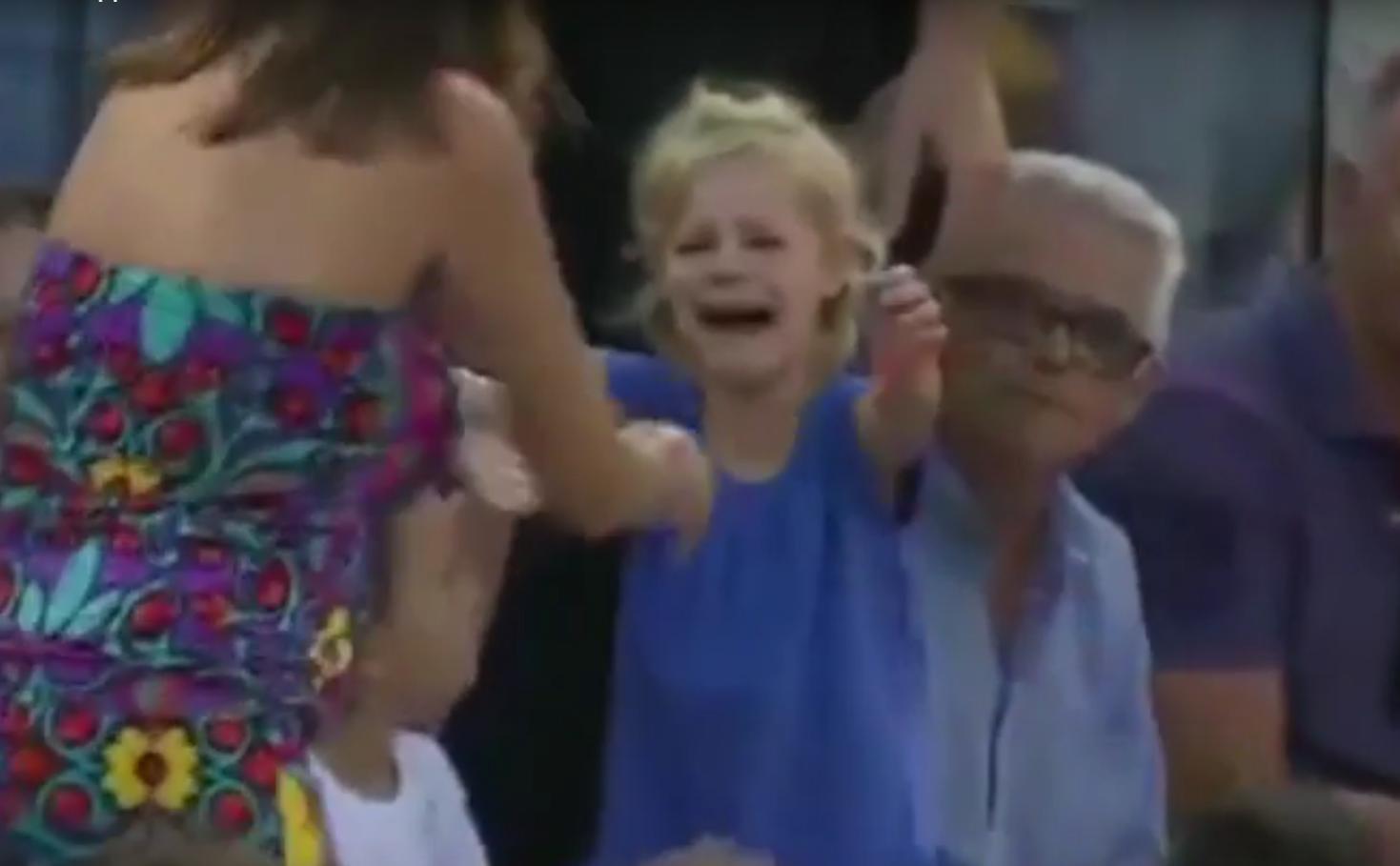 Tennis - Rafael Nadal interrompt son match pour retrouver une petite fille perdue