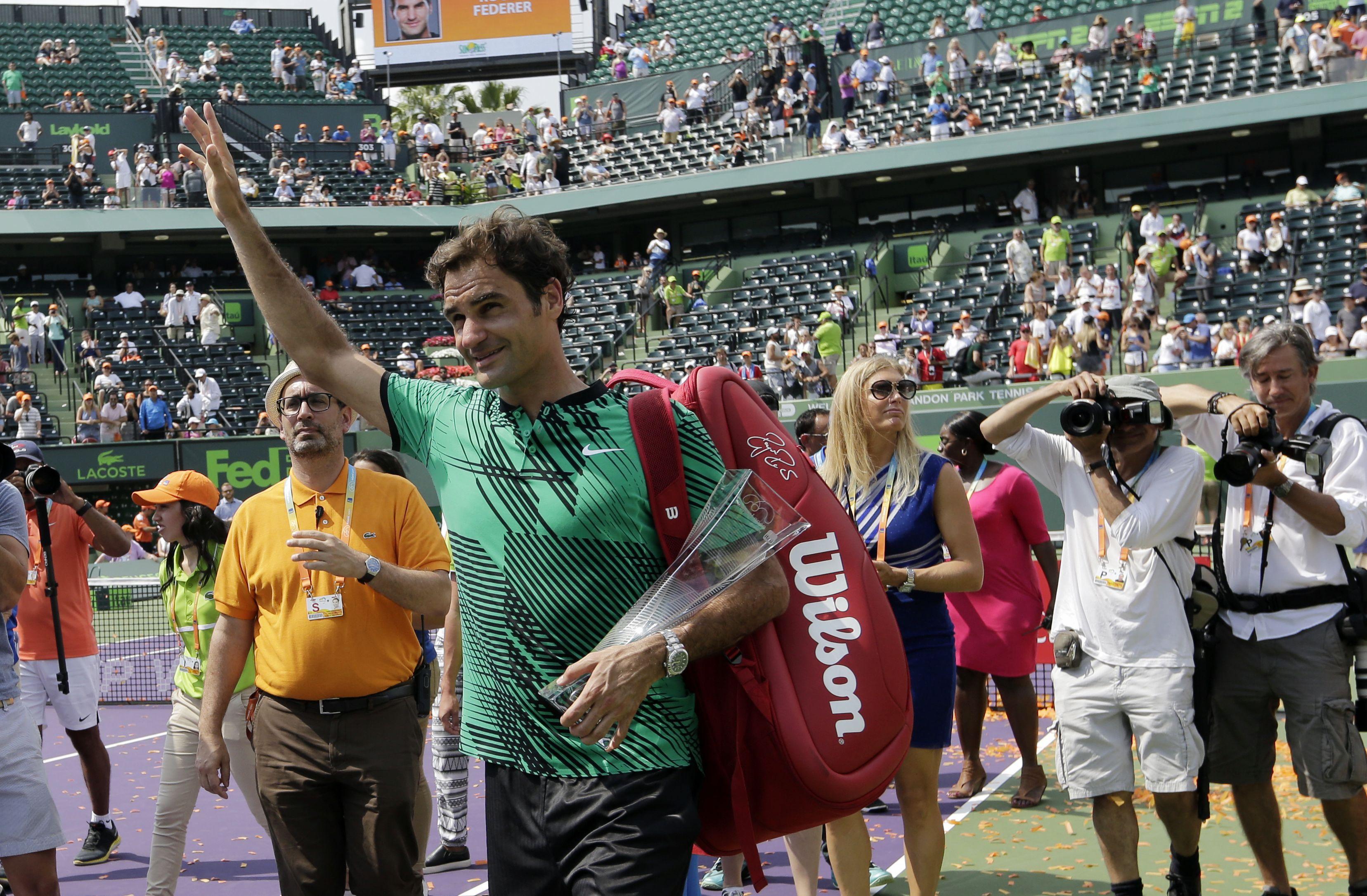 Tennis : ATP - Federer n'a «plus 24 ans» et ne jouera pas d?ici Roland Garros