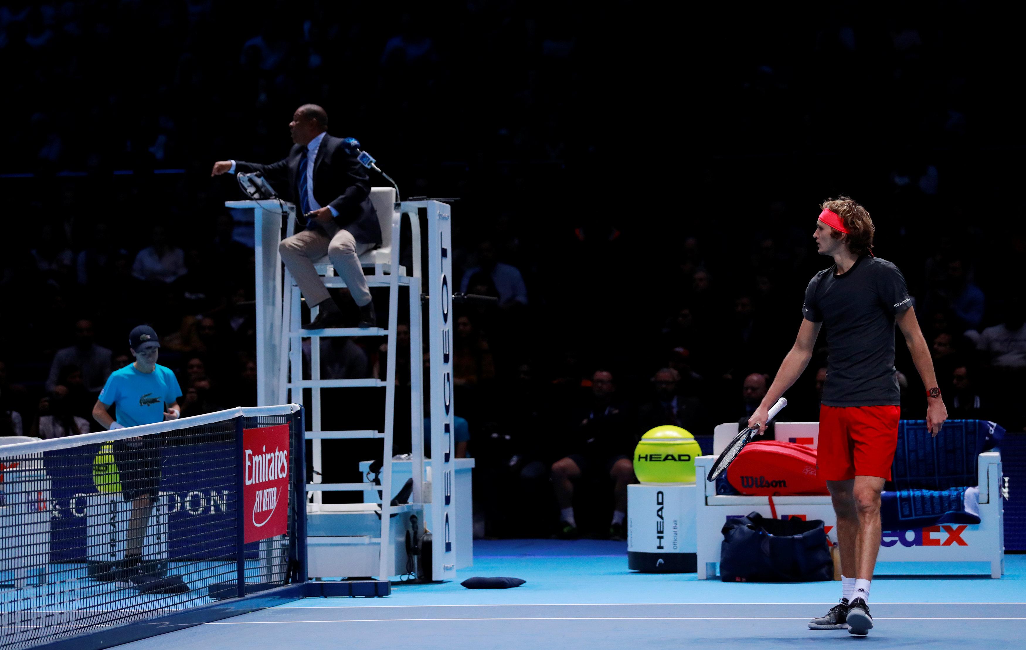 Tennis - ATP - Masters : hué par le public après sa victoire contre Federer, Zverev se confond en excuses