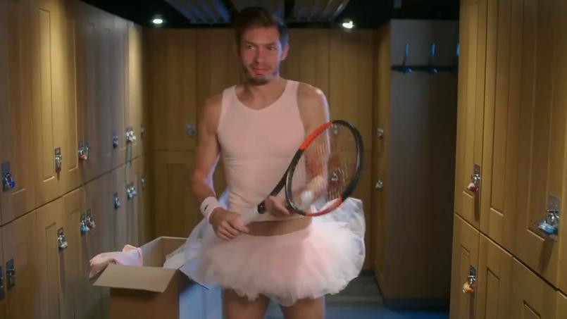 Tennis - Coupe Davis - Coupe Davis : Nicolas Mahut en tutu rose dans une pub promotionnelle