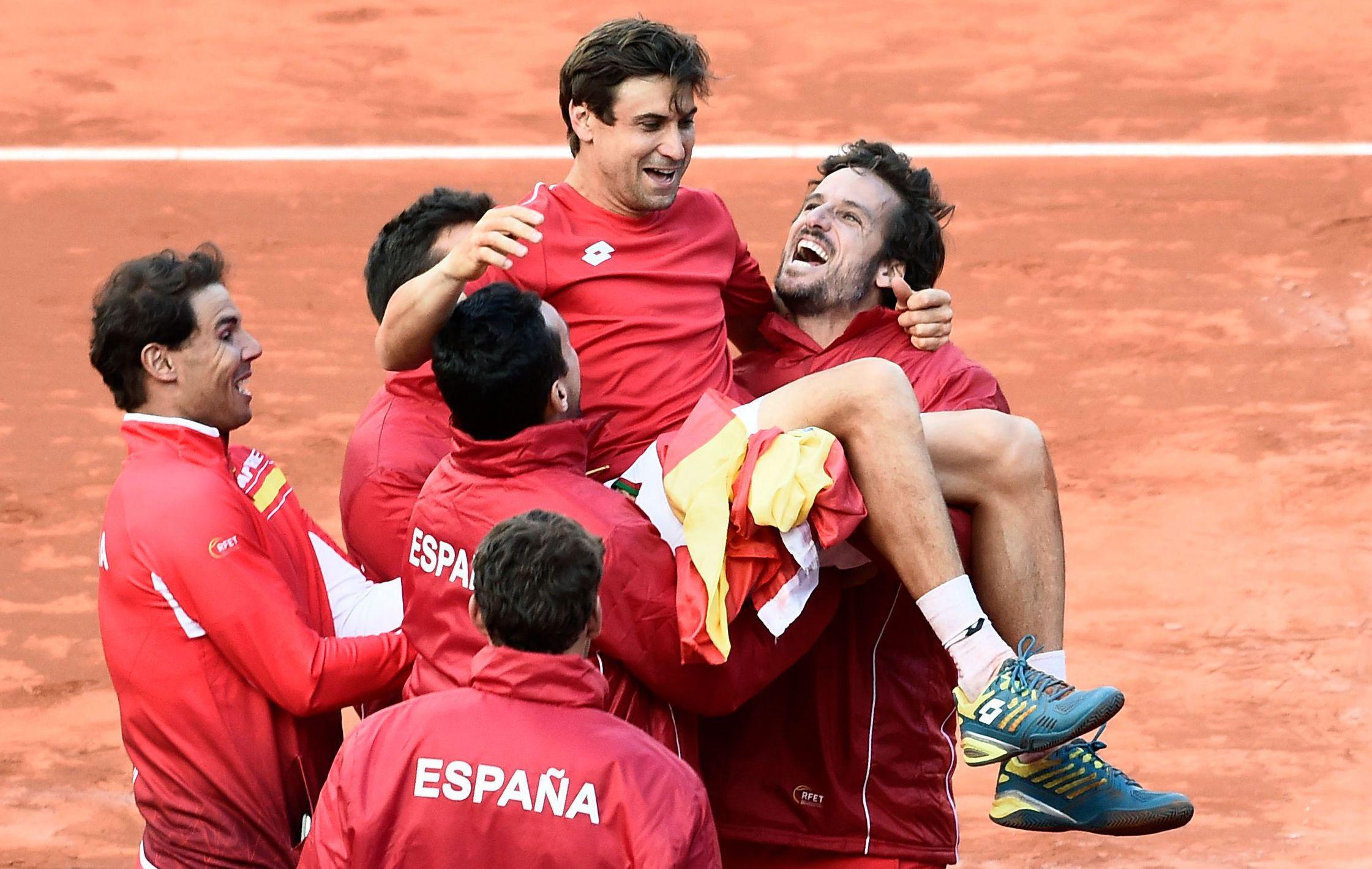Tennis - Coupe Davis - Nadal et Ferrer envoient l'Espagne en demies en France