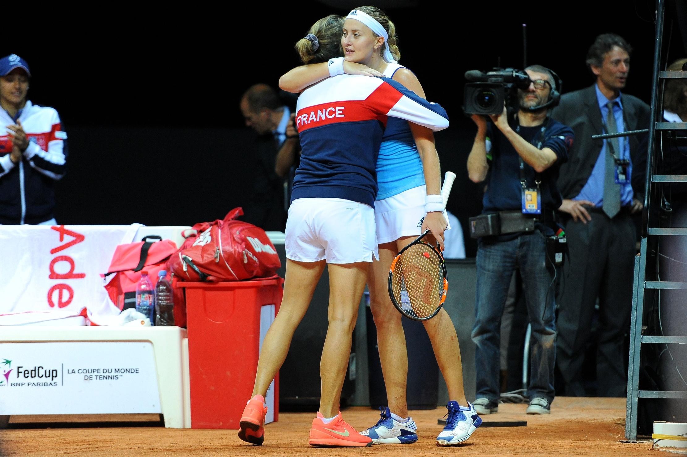 Tennis : Fed Cup - Au bout du suspense, les Bleues se hissent en finale de la Fed Cup