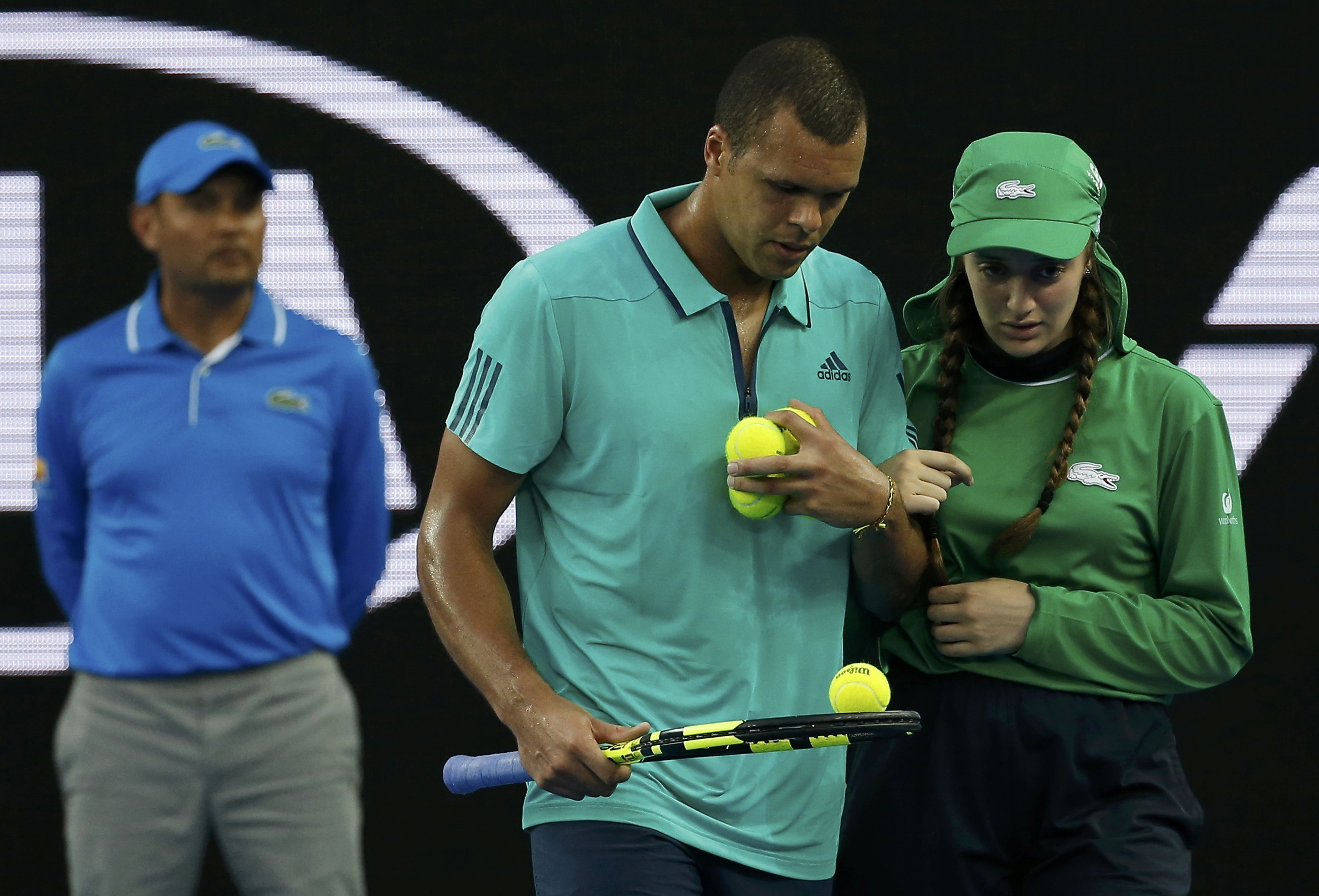 Tennis - Open Australie - Jo-Wilfried Tsonga touché par la lettre d'une ramasseuse de balles