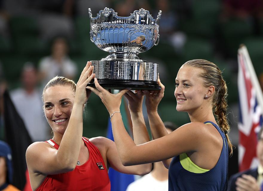 Tennis - Open Australie - Open d'Australie: Mladenovic retrouve le sourire en remportant le double dames