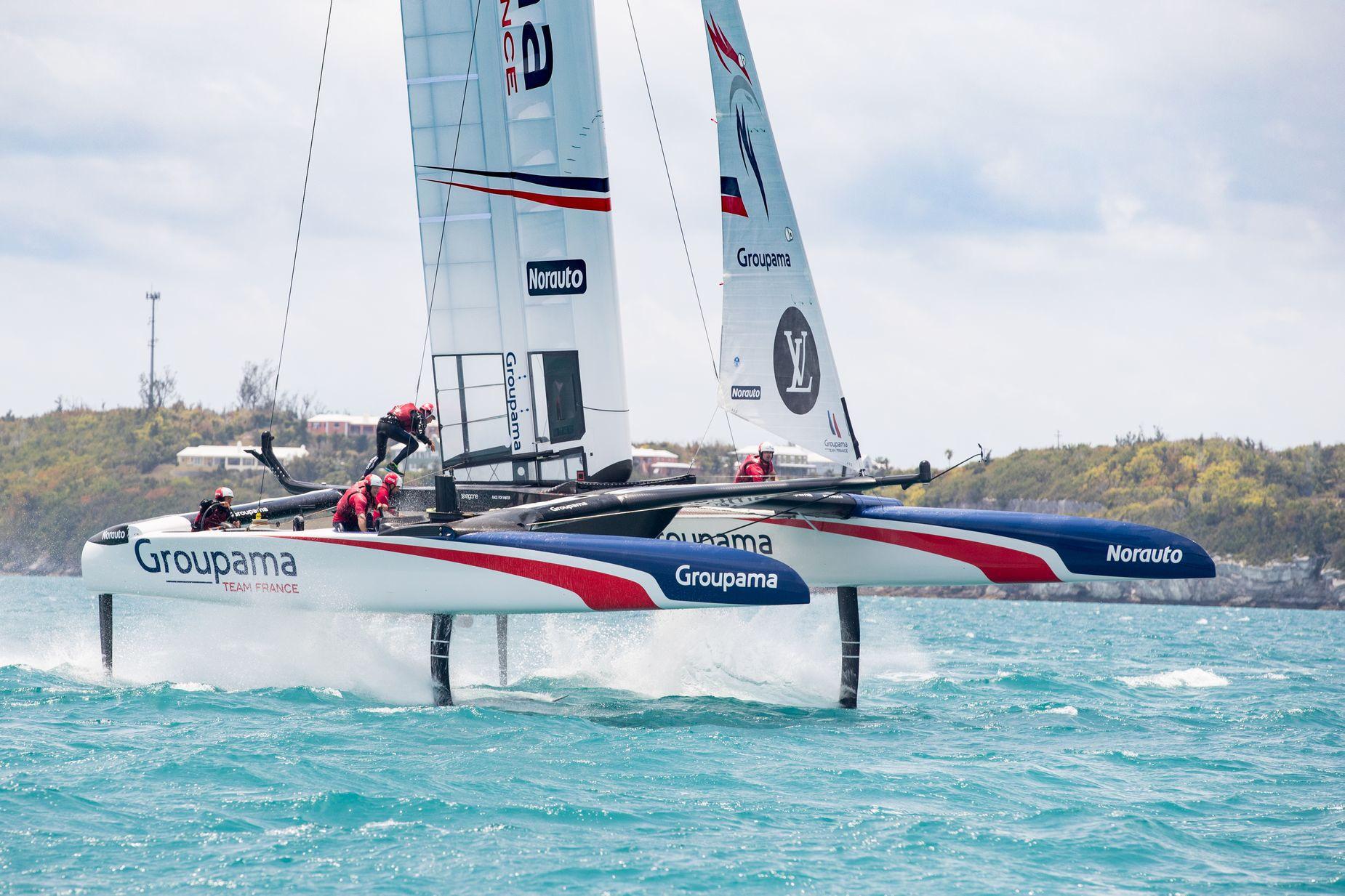 Voile - Coupe de l'America - En direct des Bermudes avec Michel Desjoyeaux