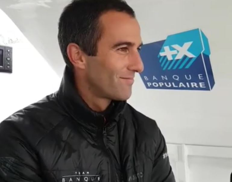 revivez l 39 interview d 39 armel le cl ac 39 h en direct des sables d 39 olonne vend e globe voile. Black Bedroom Furniture Sets. Home Design Ideas