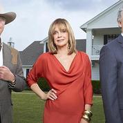 Dallas : Bobby et Sue Ellen débarquent dans le Gers