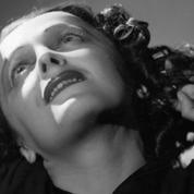 Édith Piaf: la télé repeint sa vie en rose