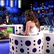 Aymeric Caron perturbé par les courbes de Laetitia Milot
