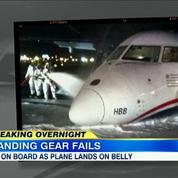 Atterrissage sur le ventre d'un avion