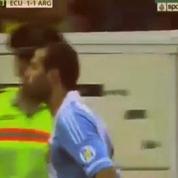 Football: Mascherano frappe un brancardier et se fait expulser