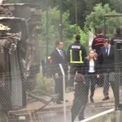 Mariano Rajoy sur les lieux de la catastrophe ferroviaire