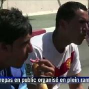 Ramadan : des Algériens mangent en public en pleine journée