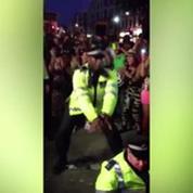 Quand les policiers londoniens se lâchent...