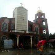 Philippines : Manille envahie par la boue après le retrait des eaux