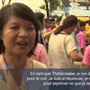 Thaïlande : le roi acclamé à sa sortie de l'hôpital