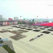 Corée du Nord : parade militaire géante pour le 65ème anniversaire du pays