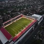 Un stade construit... sur un toit