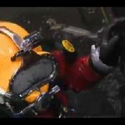 Julio, le plongeur des égouts de Mexico