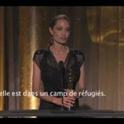 Angelina Jolie reçoit un Oscar pour son action humanitaire