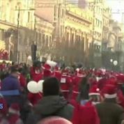 Course de Pères Noël dans les rues de Belgrade