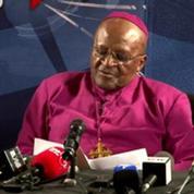 Desmond Tutu, bouleversé :