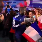 Handball: bain de foule pour les Bleus sur les Champs-Elysées