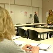 Immigration: pour mieux s'intégrer, des étrangers suivent des cours de français