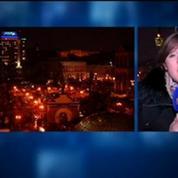 Le Parlement ukrainien vote la destitution du président: la foule en joie
