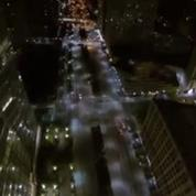 Il filme sa chute du haut du World Trade Center