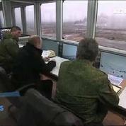 Sous les yeux de Poutine, l'armée russe s'entraîne à la guerre