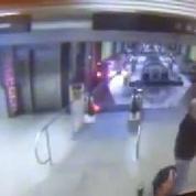 Un train déraille et remonte l'escalator à Chicago, en vidéosurveillance