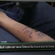 Top Média : il se fait (encore) tatouer un ticket de caisse sur le bras !