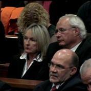 Pistorius, en pleurs, présente ses excuses au tribunal pour le meurtre de sa petite amie