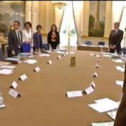 Conseil des ministres: le tour de table du nouveau gouvernement avant le début de la séance