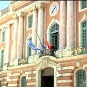 Mort de Dominique Baudis: les drapeaux en berne à Toulouse