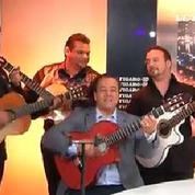 Chico & the Gypsies chantent leurs tubes au Figaro