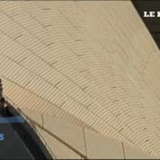 Ivre, il grimpe sur le toit de l'Opéra de Sydney
