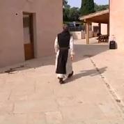Des étudiants passent une semaine dans un monastère pour réviser
